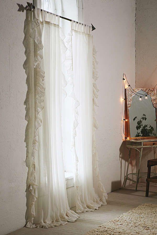 I Love The Arrow Curtain Rod And The Gauze Curtains Beautiful