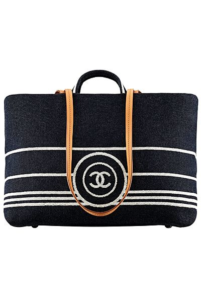 cb0eec8d6 Chanel - Resort 2014!   Chanel   Pinterest   Bolsa de festa ...