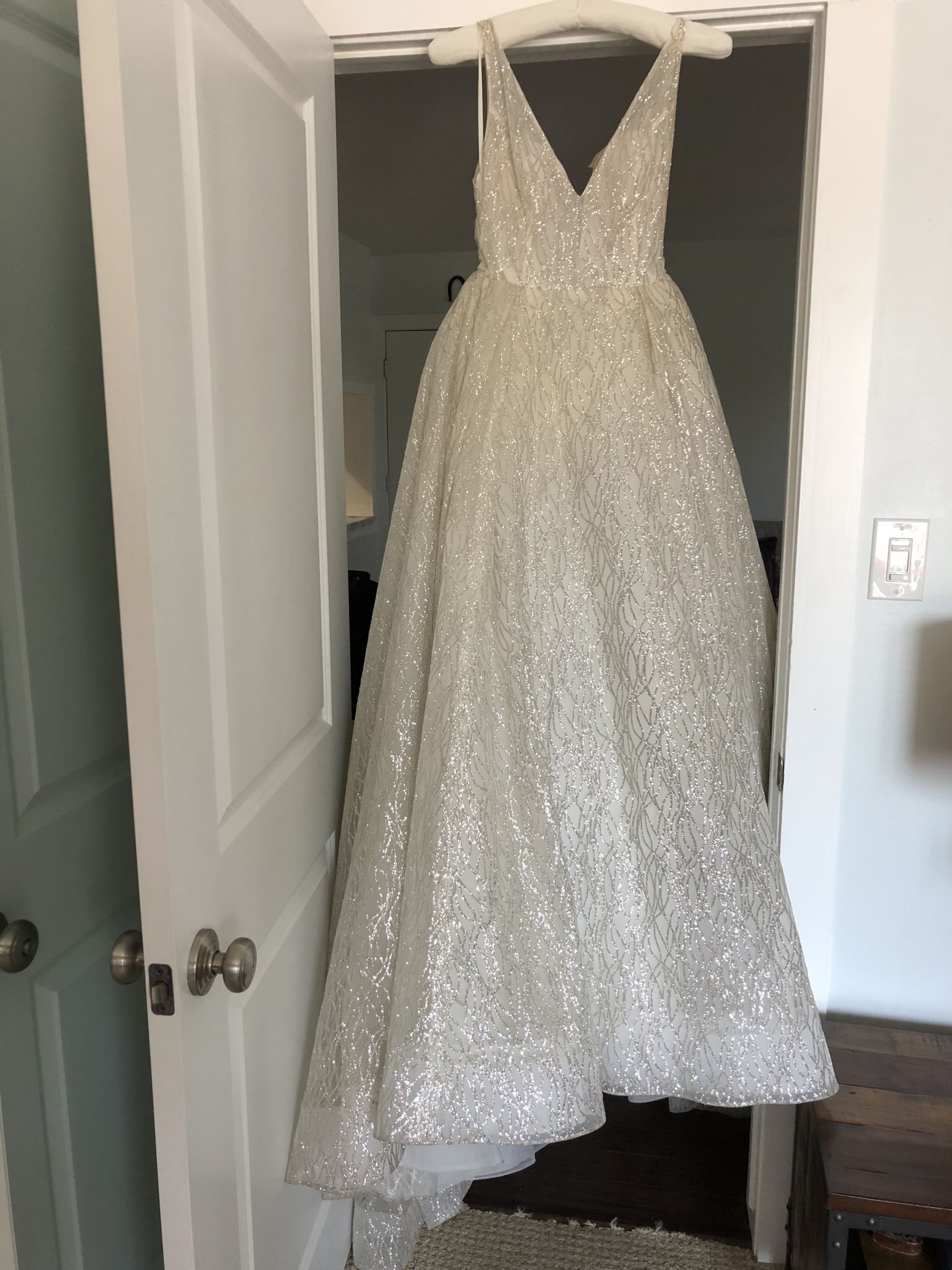 Lazaro 3662 Wedding Dress Used Size 8 3 199 Dresses