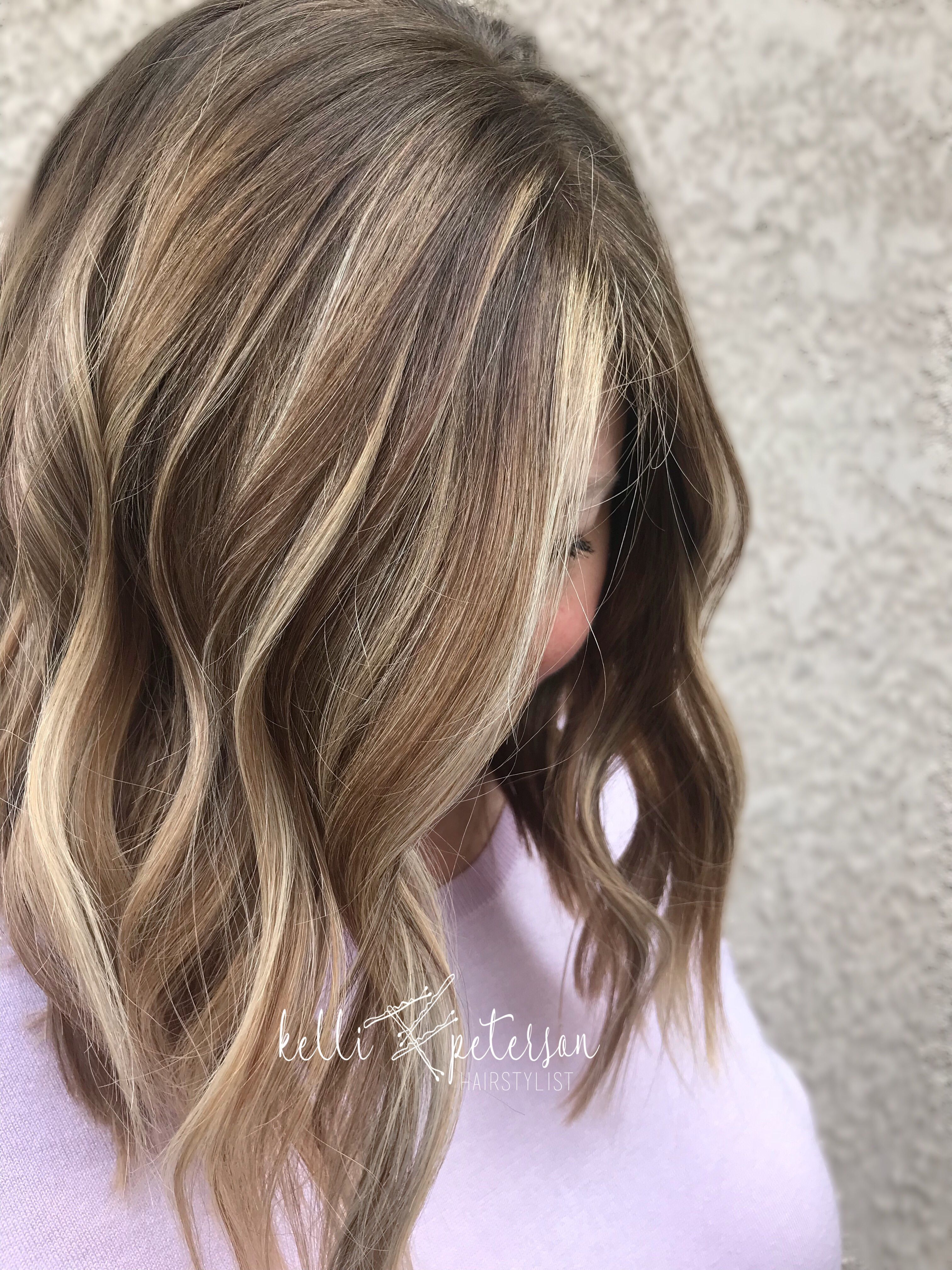 Medium brown hair with blonde balayage with a lob cut cabello