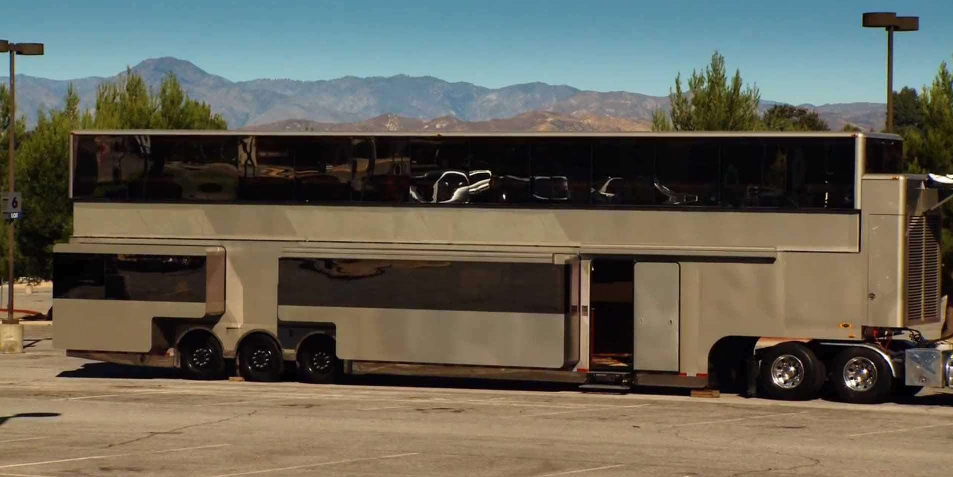 2 Story Motorhome Interiors | Luxury Travel Trailers ...
