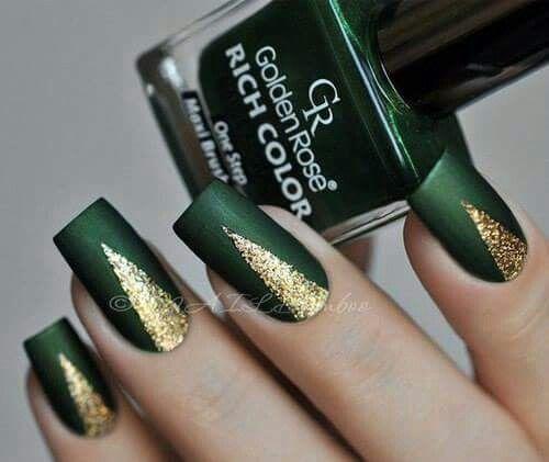 Emerald W Gold Nails Green Nail Designs Gold Nails Emerald Nails