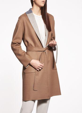 Cappotto in lana, cammello e titanio. www.italianist.com