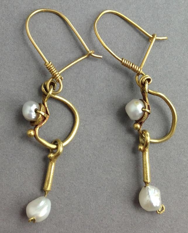 Roman Gold and Pearl Earrings A pair of ancient Roman gold loop