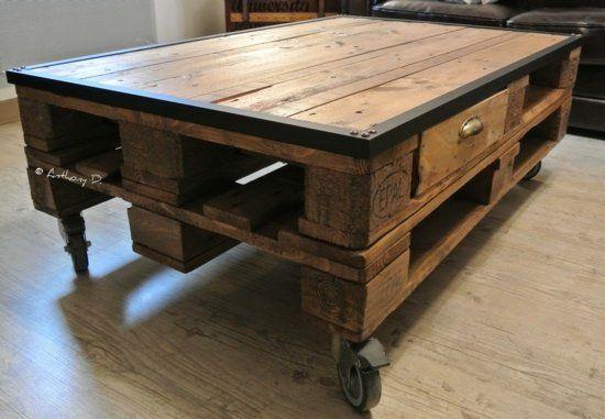 meubles en palettes le bois recyclable pour votre confort meuble en palette tables basses en. Black Bedroom Furniture Sets. Home Design Ideas
