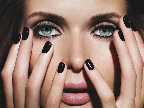 Short black nails fashion 59