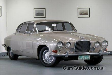 car Jaguar MK X