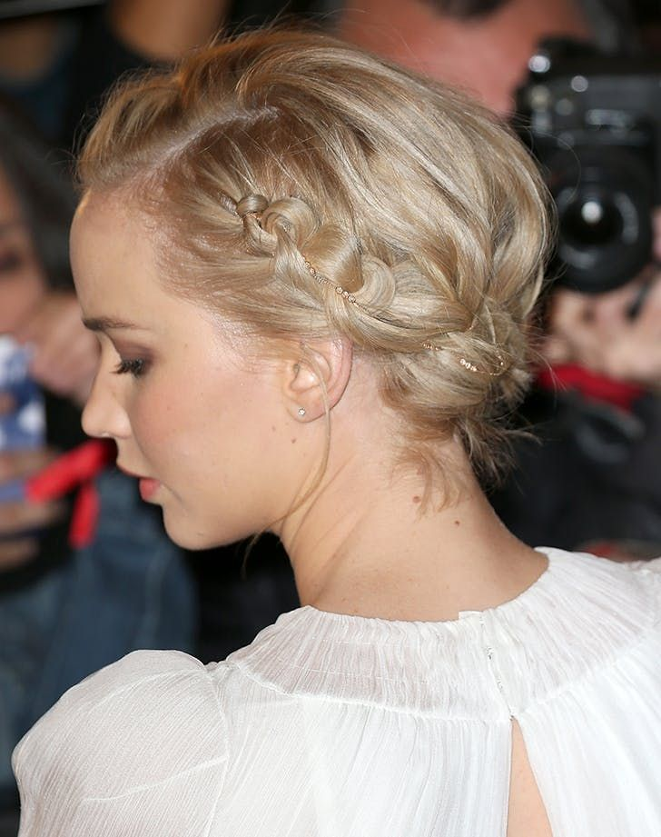 13 Chic, Easy Hairstyles for Short Hair