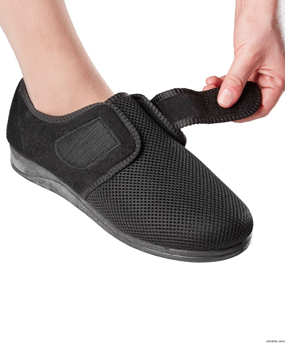 715fe8fcde98 Womens Comfortable Indoor outdoor Shoe Slippers With VELCRO® Brand Fastener  Straps