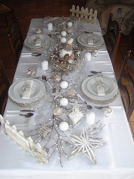 Jolie table pour un no l blanc d 39 autres id es sur le blog home decoration pinterest - Decoration de table de noel blanche ...