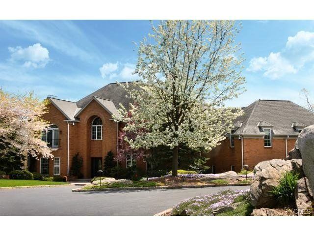 For Sale - Villa - Stamford (ref. 47F919CE-D8AE-2210-2518-FFEC950E89DD)  -  #House for Sale in Stamford, Connecticut, United States - #Stamford, #Connecticut, #UnitedStates. More Properties on www.mondinion.com.