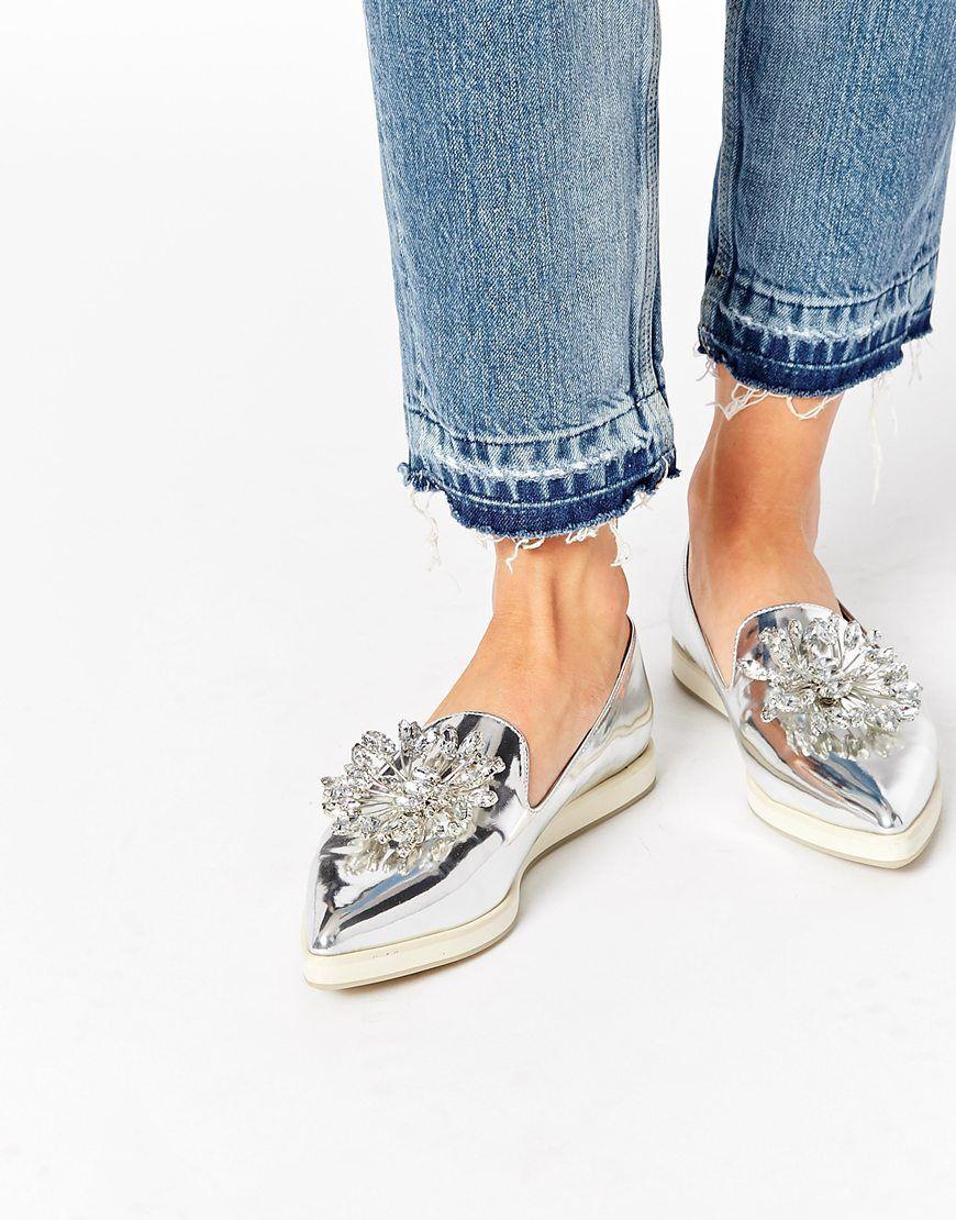 ASOS – MAXIE – Spitze flache Schuhe at asos.com