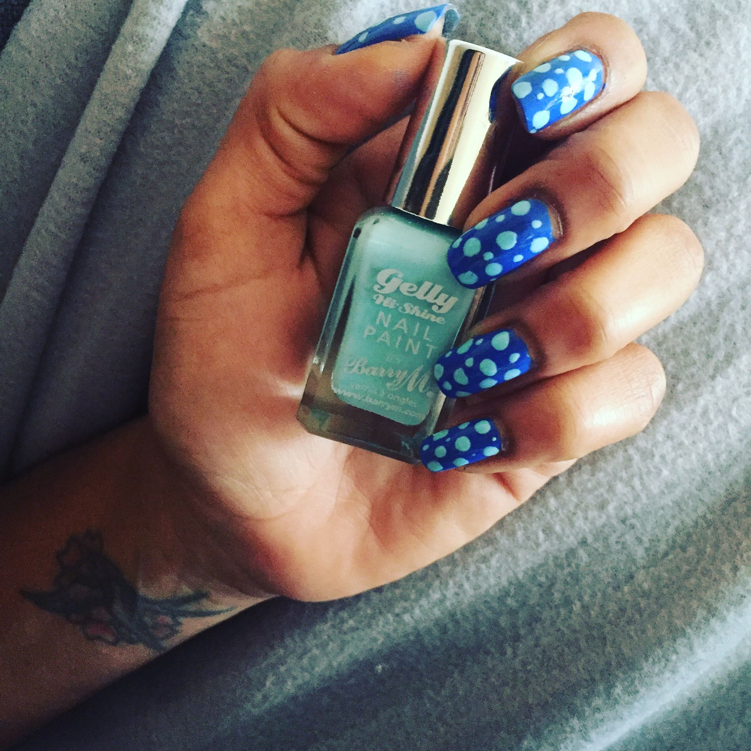 Feeling spotty with bright blue nails and pale blue spots | Nail ...
