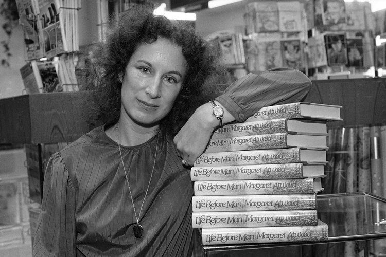 5 Good Quotes by Margaret Atwood #margaretatwood