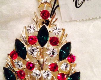 Signed Eisenberg Ice Vintage Red Green Crystal Christmas Tree Brooch Very Sparkly