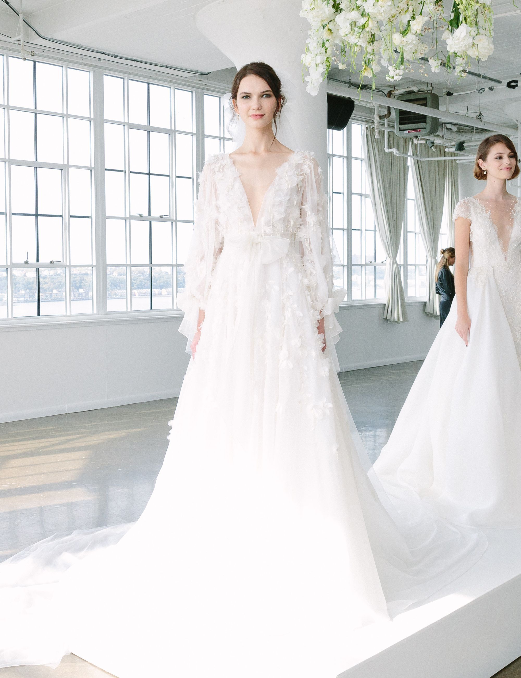 10 Dreamy Wedding Gowns from Marchesa\'s Fall 2018 Collection - Look ...