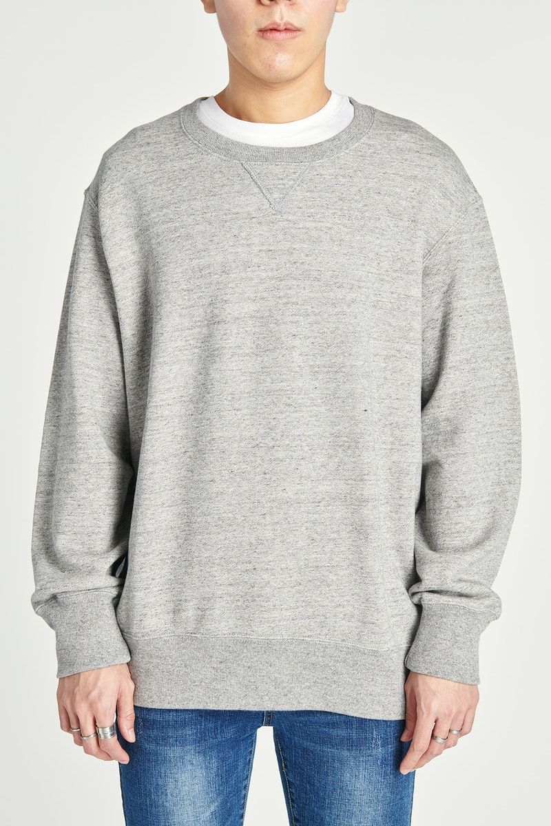 Download Download Premium Image Of Asian Man Wearing A Gray Sweatshirt Mockup Clothing Mockup Sweatshirts Men Casual