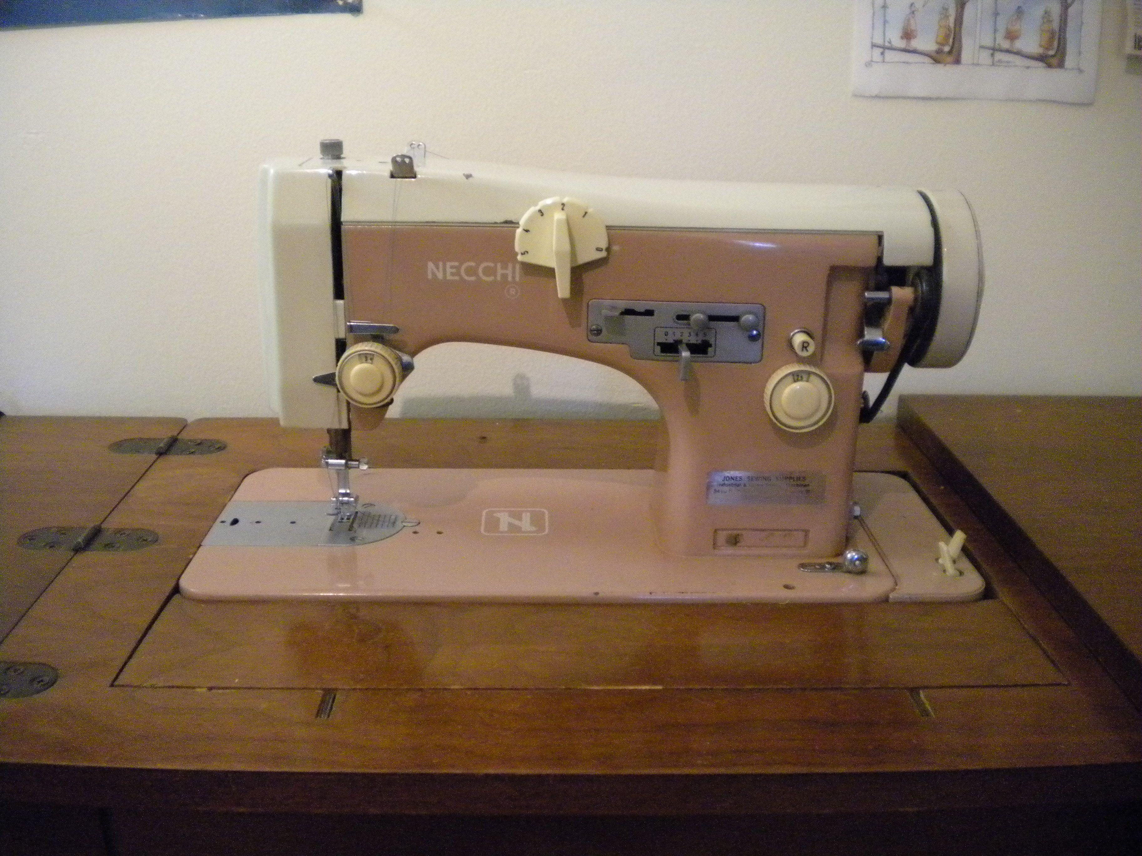 Necchi 515 necchi sewing machine info and accessories for Decor 99 sewing machine