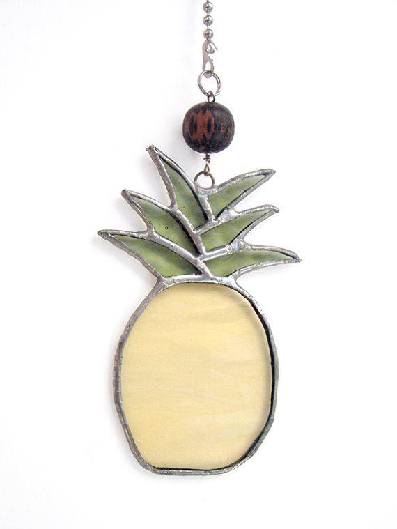 Stained Glass Pineapple Fan Pull Suncatcher Ornament Etsy Stained Glass Projects Stained Glass Stained Glass Suncatchers