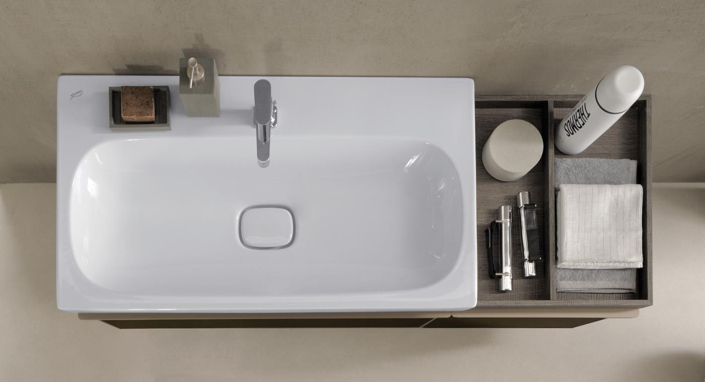In The Keramag Citterio Collection Of Bathroom Accessories Its Designer Antonio Citterio Combined Pur Bathroom Collections Bathroom Inspiration Small Bathroom