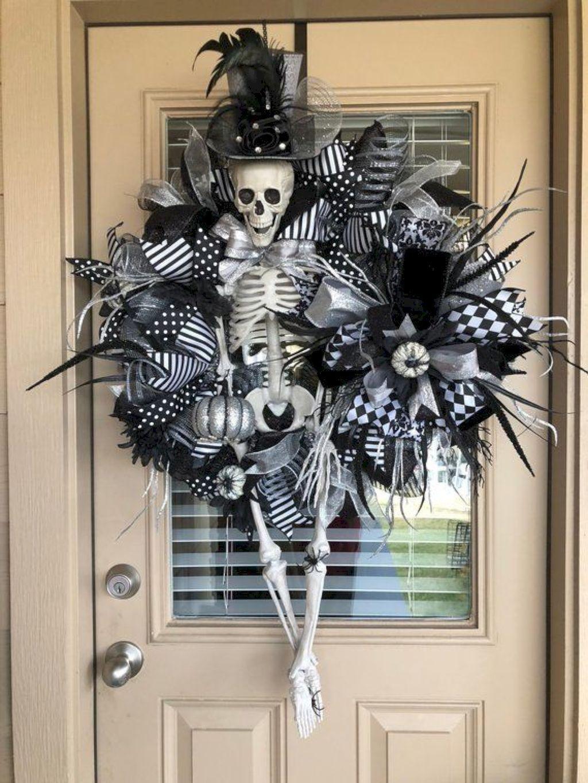 DIY Halloween Decoration Ideas for 2018 38