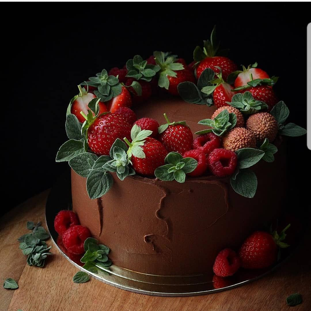 Yes Or No Chocolate Cake With Strawberries By Katya Lybi