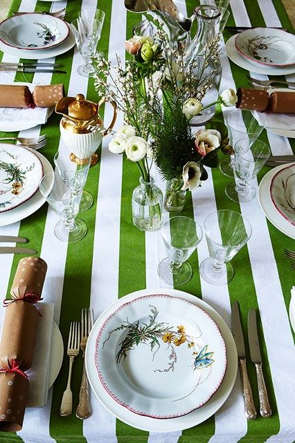 Incroyable Green U0026 White Striped Tablecloth From IKEA For A Christmas Table On HOUSE.  Ensure Your Feast Is A Visual Triumph (just As Much As A Culinary One)