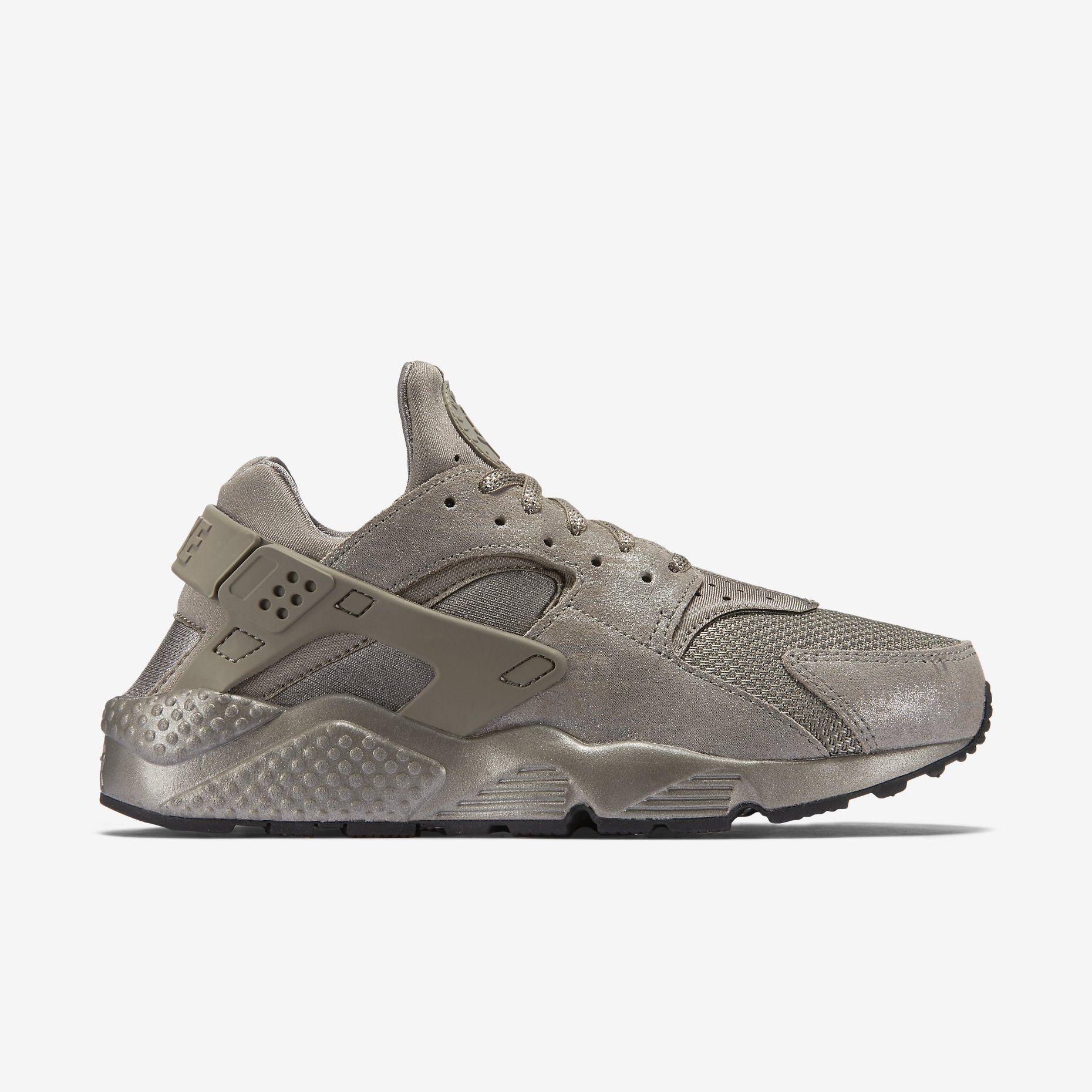 best sneakers 2117c 3a3bb Chaussure Nike Air Huarache Premium pour Femme. Nike.com (FR)