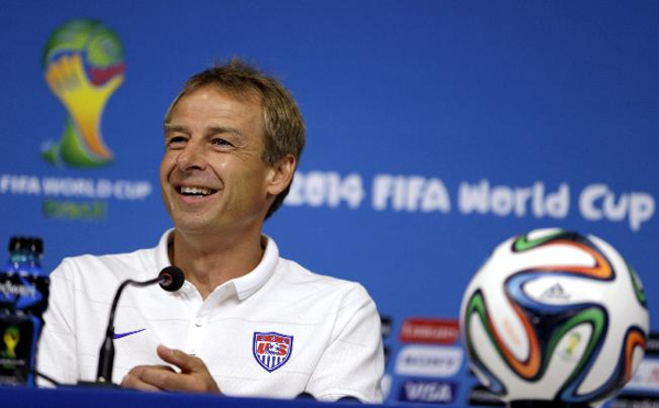 Jurgen Klinsmann Wrote A Note To Get U S Fans Out Of Work For The Germany Match Jurgen Klinsmann International Soccer Fan Out