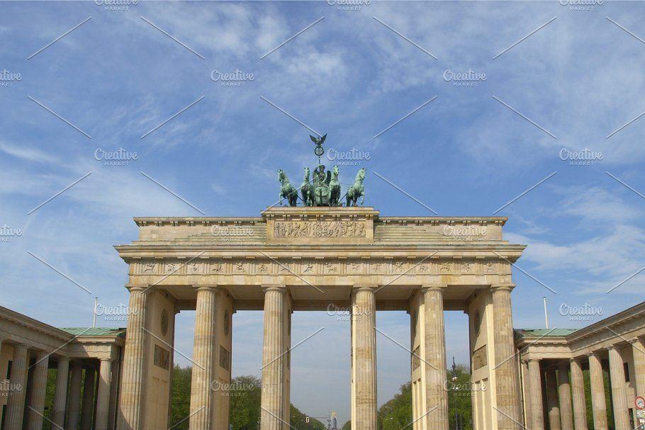 Brandenburg Gate In Berlin In 2020 Brandenburg Gate Brandenburg Gate