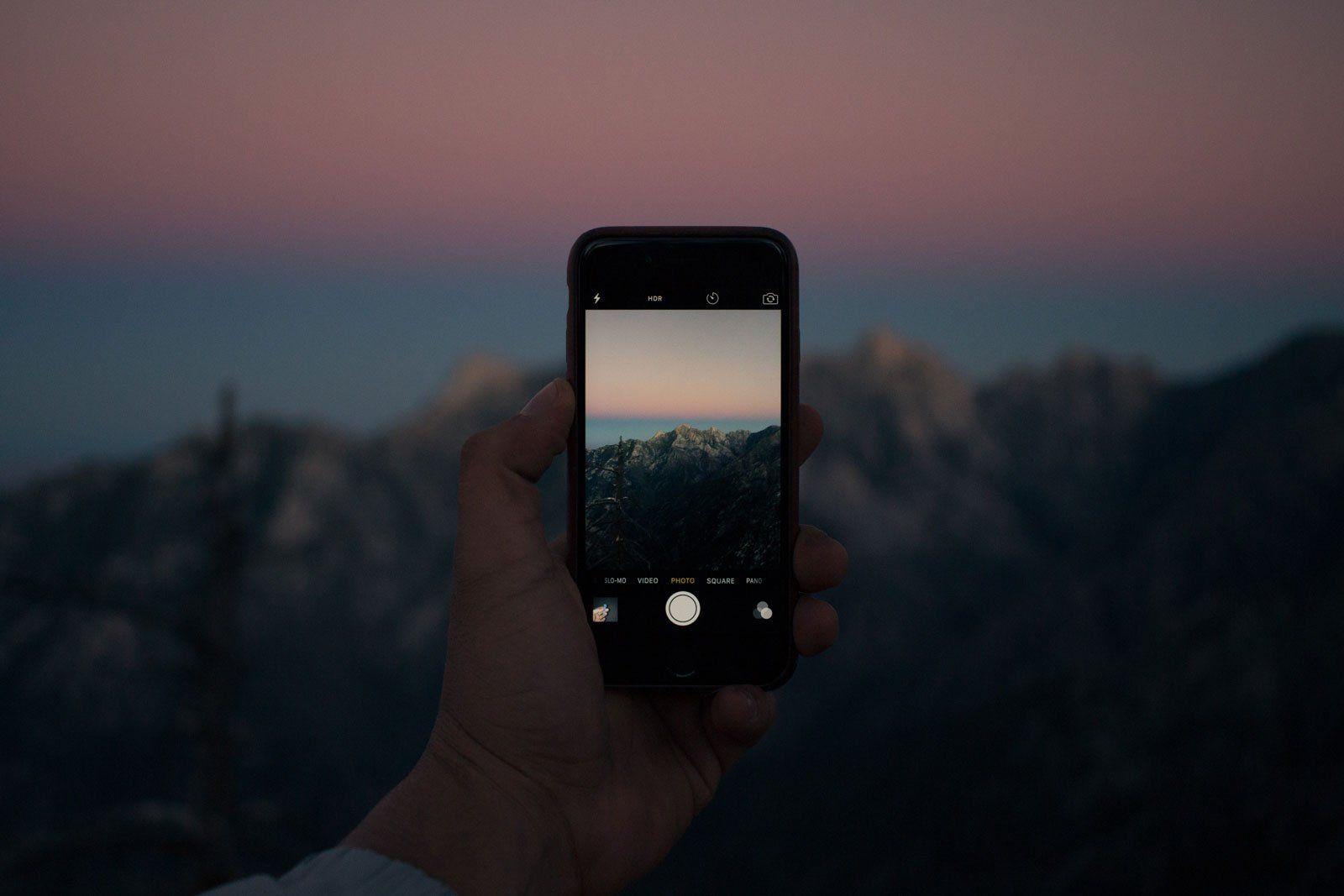 Resultado de imagen para taking photo with iphone