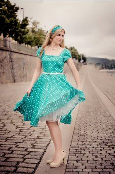 98986bb65 LORETTA retro šaty zelená s puntíkem hranatý výstřih rukávky pásek kolová  sukně spodnička 50.léta
