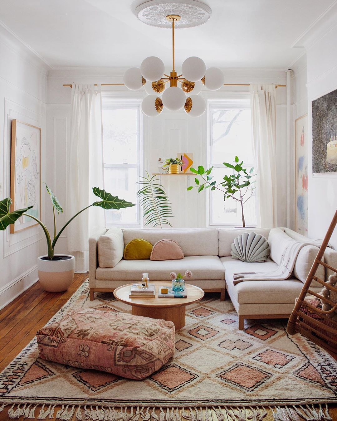 Behold 6 Sunset Inspired Ideas To Make Summer Feel Truly Endless In A Good Way Hunke Bohemian Living Room Decor Living Room Decor Neutral Boho Living Room #neutral #bohemian #living #room