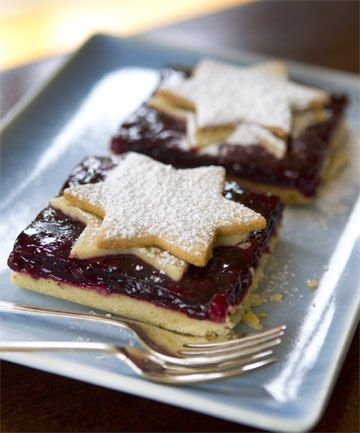 Berry tart with star-shaped cut-outs.