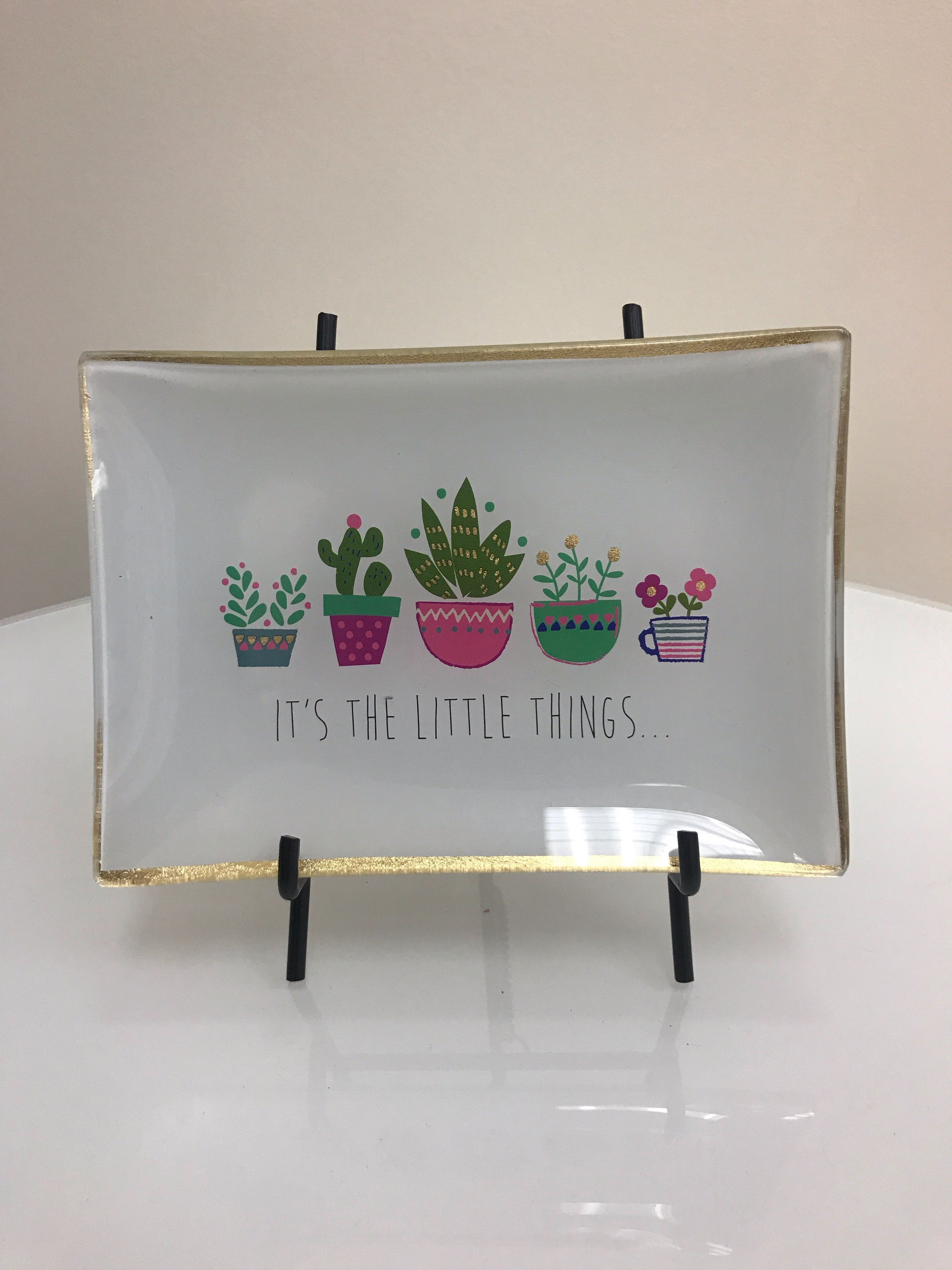"""Tray - """"It's The Little Things"""""""