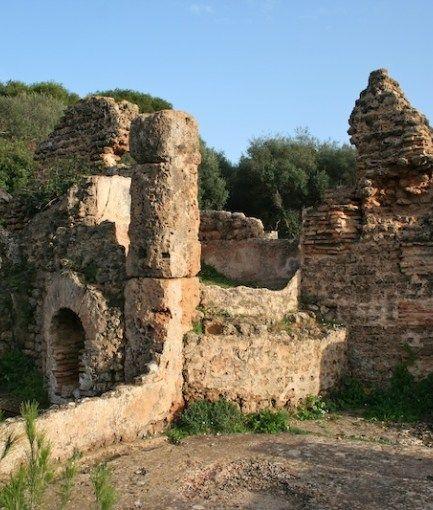 قسنطينة اكتشاف مدينة أثرية يرجع تاريخها للعهود الرومانية الأولى فى مدينة ميلة شرق الجزائر كانت تحمل اسم ميلاف أيام الاستعما Natural Landmarks Landmarks Nature