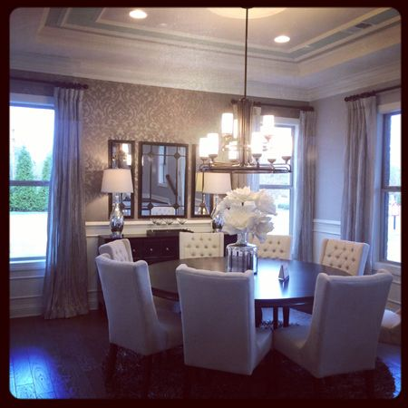 I Absolutely Love This Dining Room Set Up! Round Dark Table With Light  Chairs And