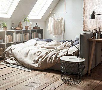 Standorte In Deiner Nahe In 2020 Apartment Inspiration Wohnung Schlafzimmer Und Kleiderschrank Fur Dachschrage