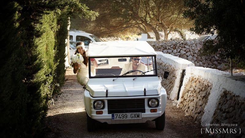 #labodadeXD Boda. Coche. Novia. Novio. Ramo de novia. Recién casados. Wedding. Car. Bride. Groom. Bouquet. Just. Married.
