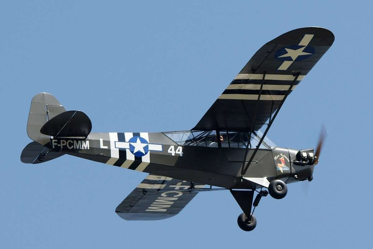 piper j3 cub built during ww2 served in us army air corps participated in d day landings june. Black Bedroom Furniture Sets. Home Design Ideas