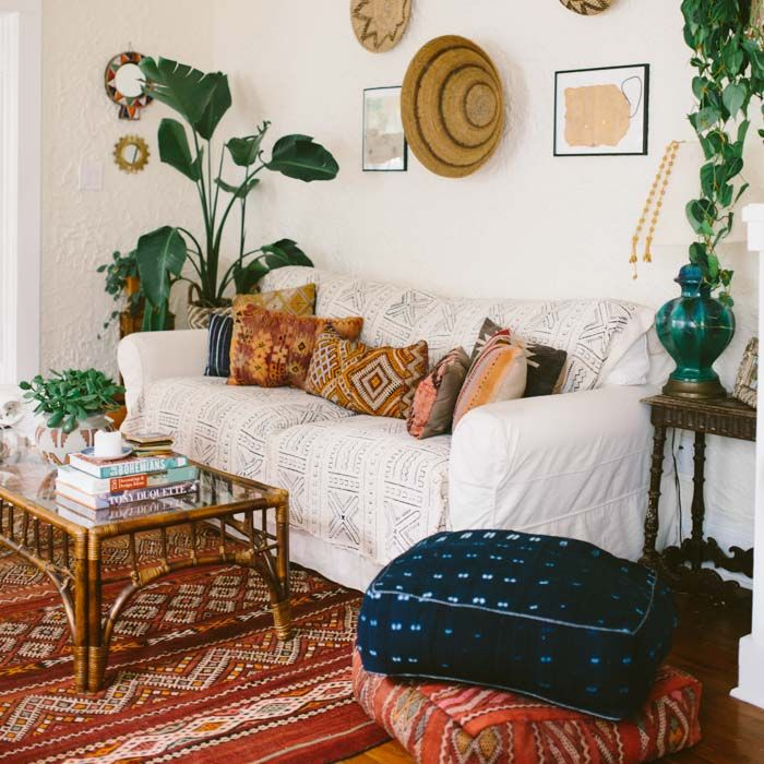 bohemian style wonen met witte basis eclectic decor pinterest weltenbummler wohnzimmer. Black Bedroom Furniture Sets. Home Design Ideas