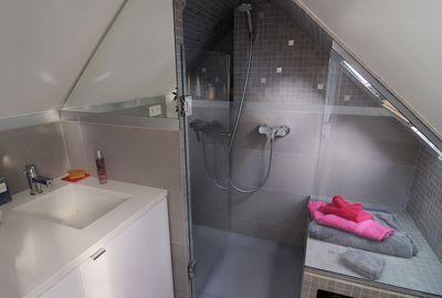 Je crée une salle de bains sous les combles | Salle de bain ...