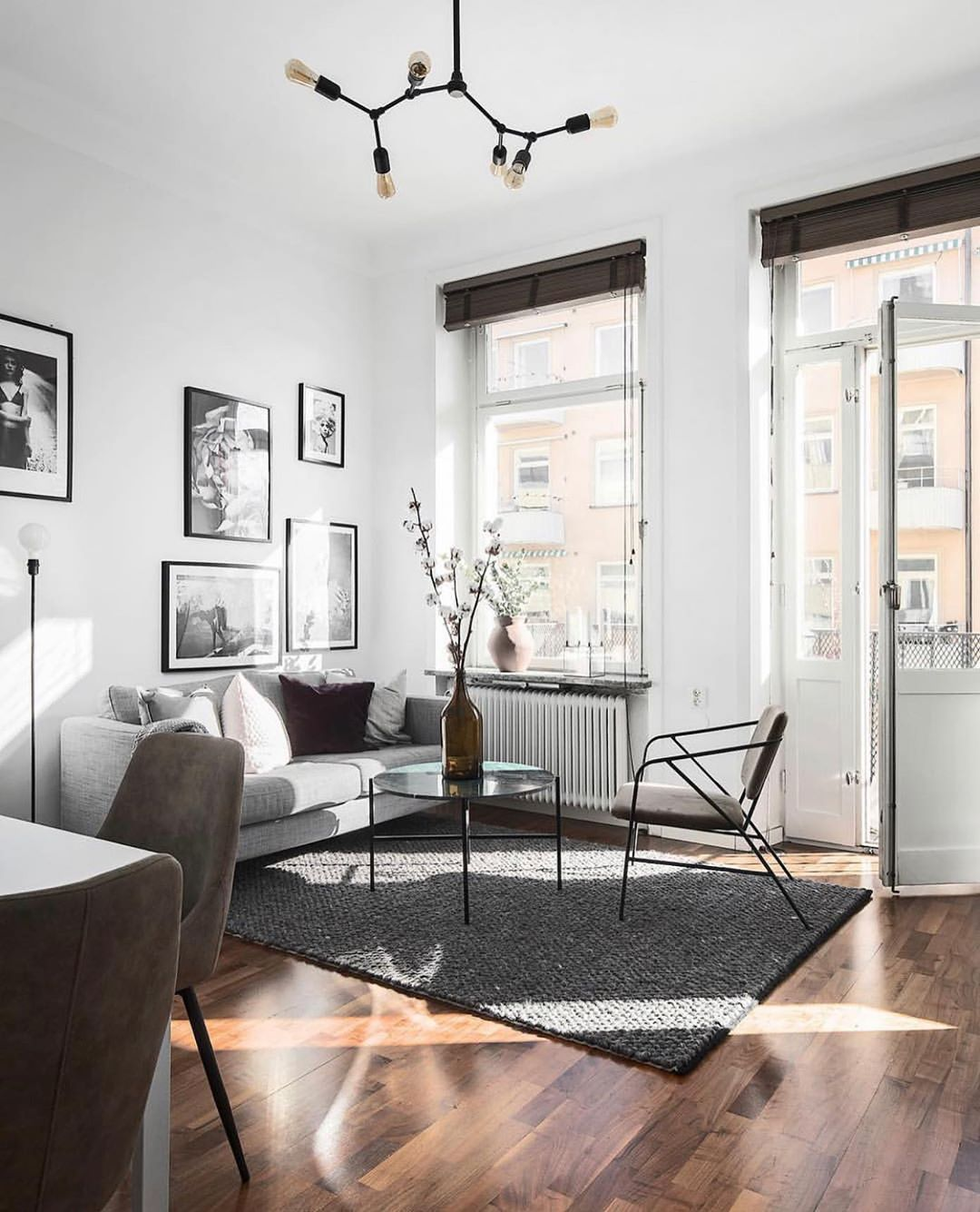 Scandinavian Homes On Instagram Styling Scandinavianhomes Photo Kronfoto Minimalist Living Room Design Minimalist Living Room Scandinavian Interior Design