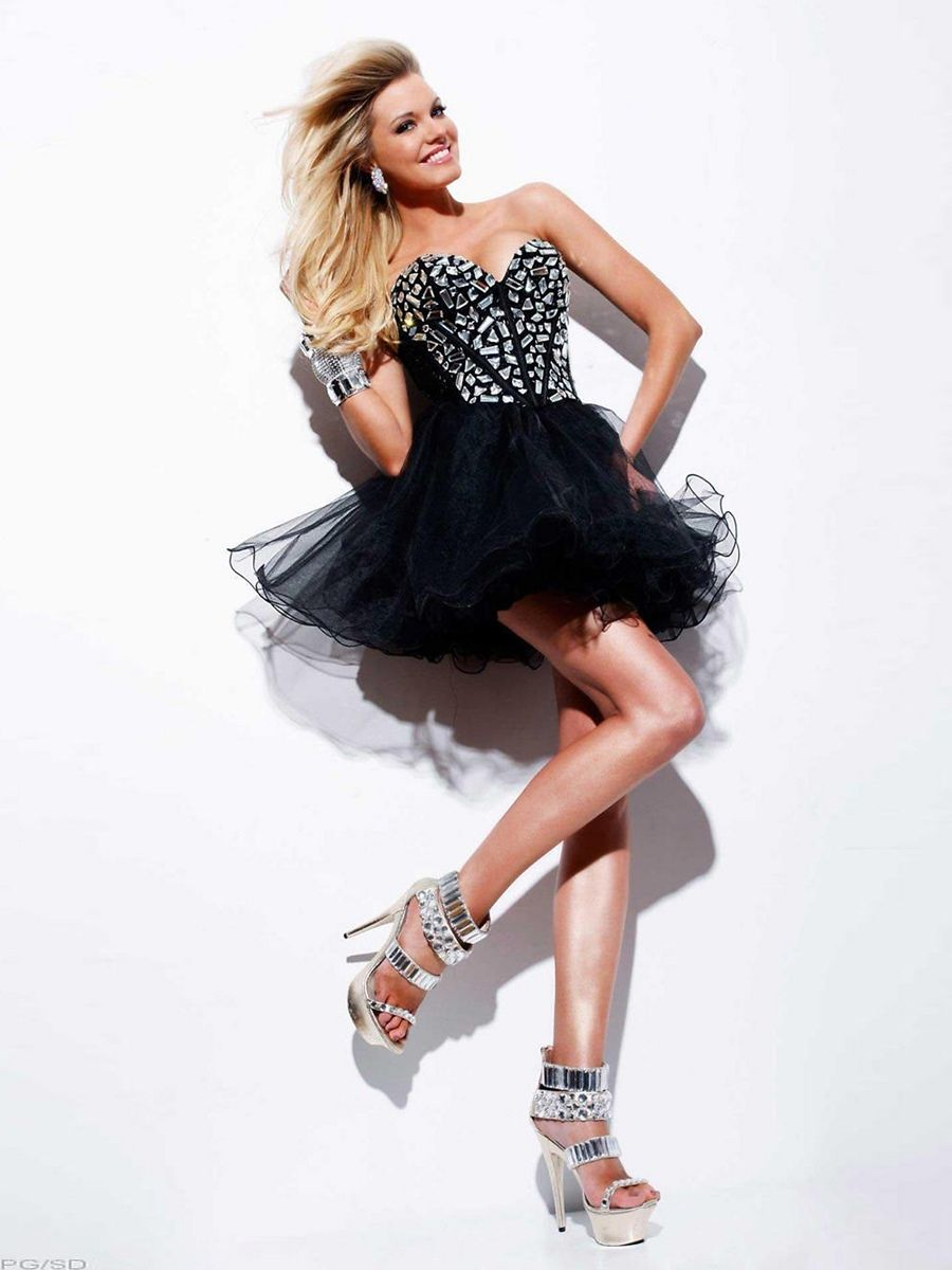 Black beaded tulle strapless sweetheart neckline sleeveless short