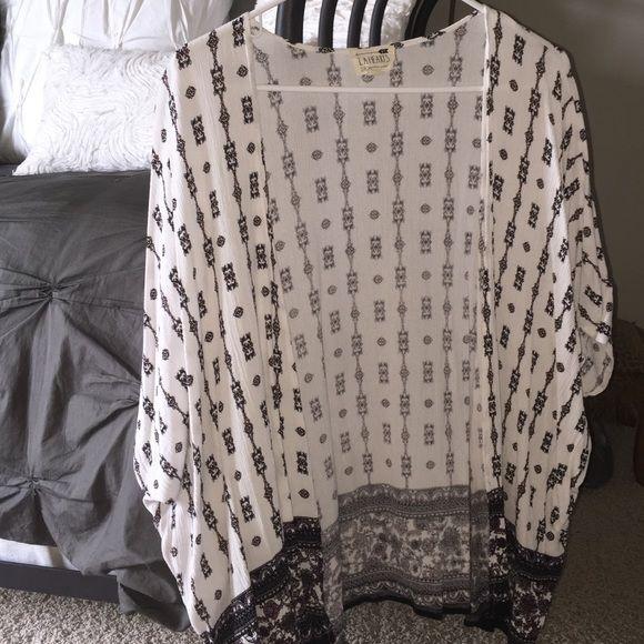 LA hearts kimono Unworn kimono!! So cute. Got at pacsun. LA Hearts Sweaters Cardigans
