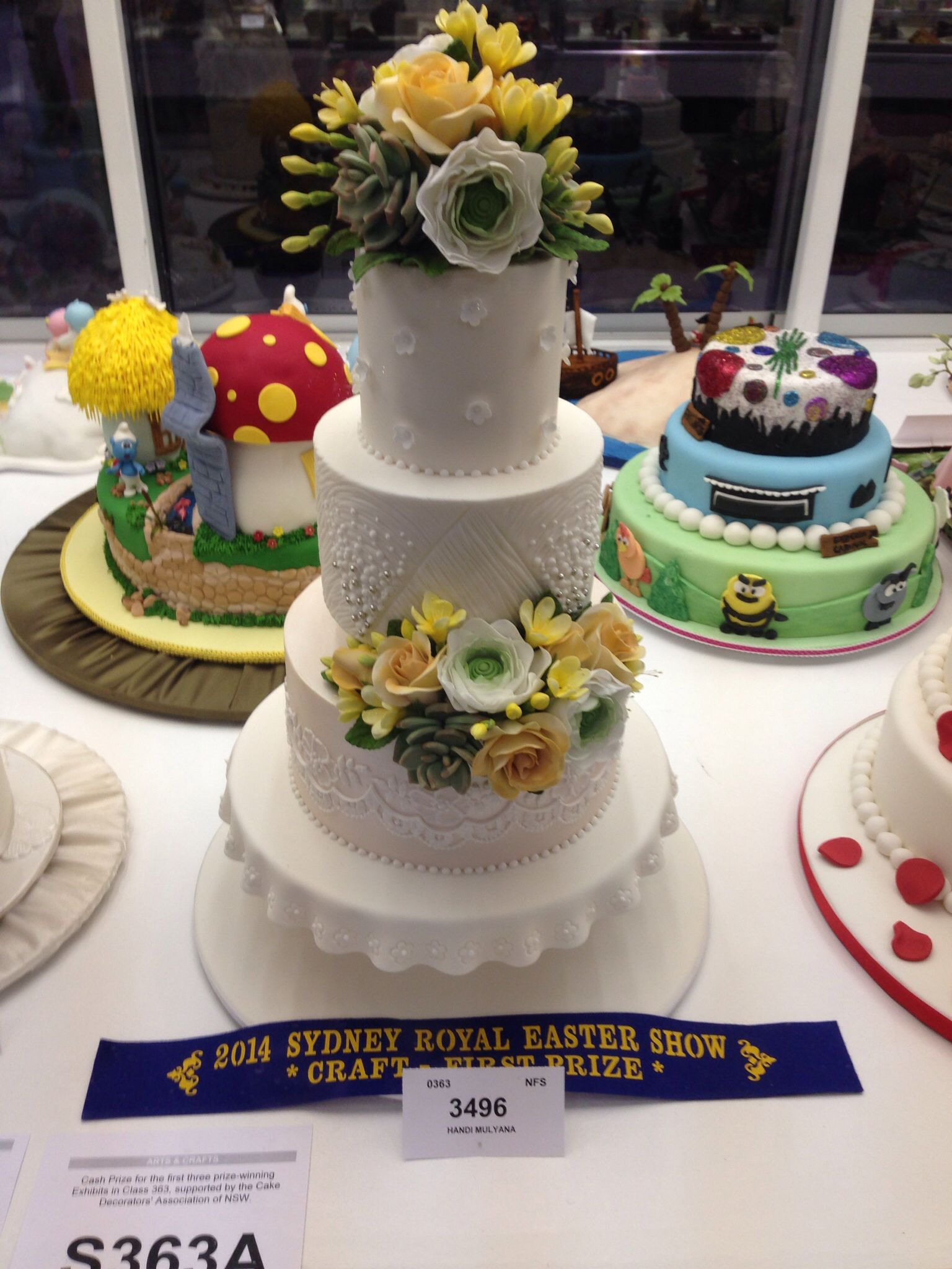 First prize at the show petition 2014 wedding cake