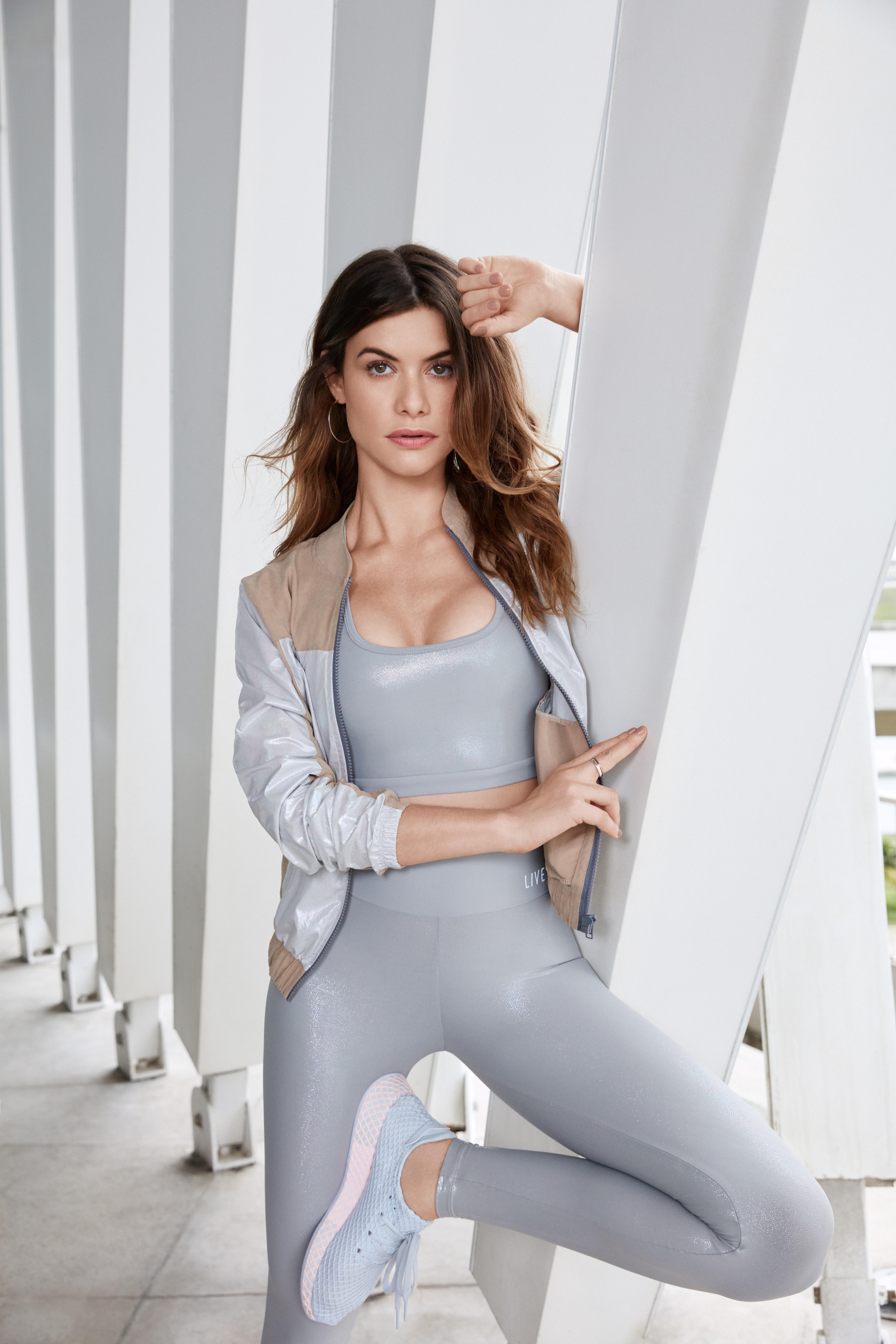 Alinne Moraes Sex alinne moraes para a campanha wideness 2019 fitness da live