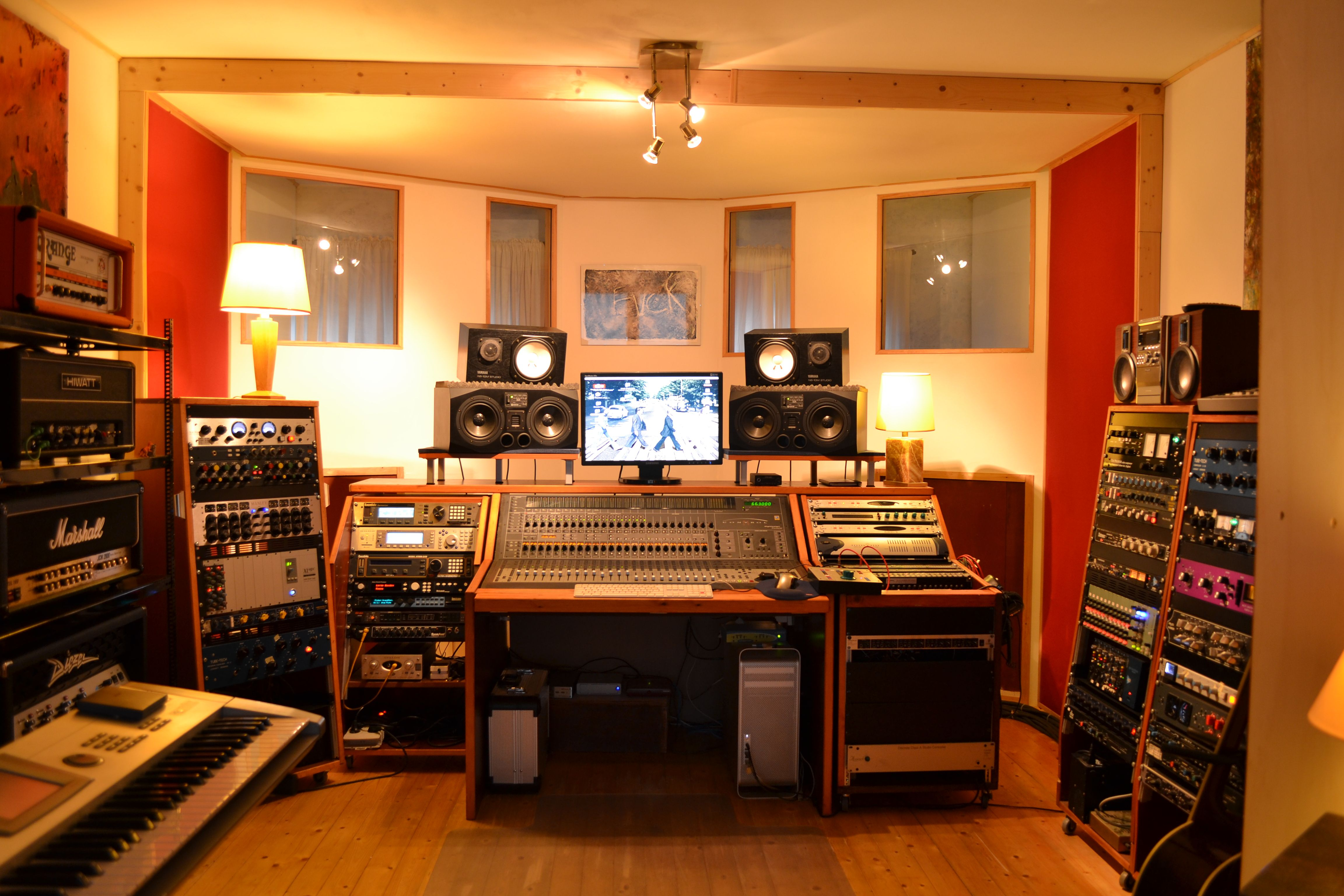 Image gallery one room recording studio for 93 house music