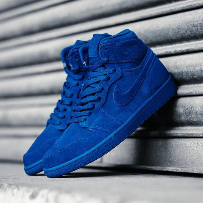 a17a62a5c3289f Air Jordan 1 Retro High 332550-404 Specifications  A highly sought after  colourway of the iconic 1 s. Featuring an all Team Royal colour scheme in a  plush ...
