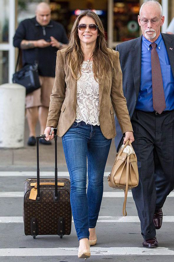Liz Hurley, elizabeth hurley, style, fashion, relationship, dallas, texas, airport, flight